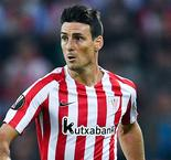 Aduriz pens Athletic Bilbao extension
