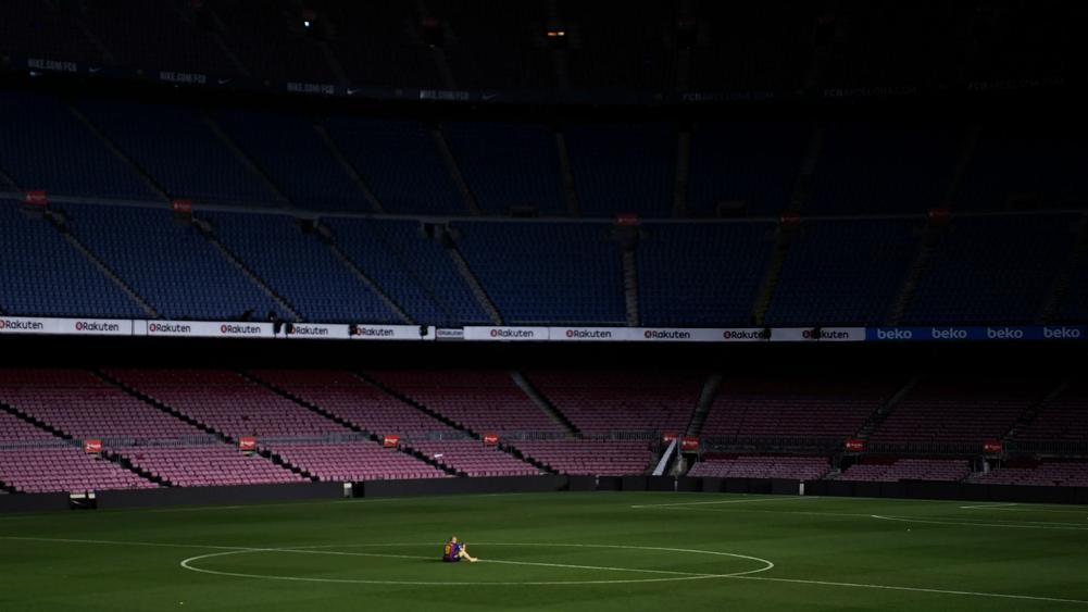 Iniesta Sits Alone In Camp Nou After Bidding Club Farewell