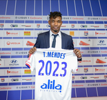 Thiago Mendes Joins Lyon From Lille