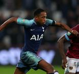 Tottenham youngster Walker-Peters signs on until 2023