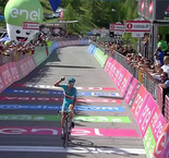 Vincenzo Nibali Wins Giro Stage 19; Esteban Chaves Takes Over Lead