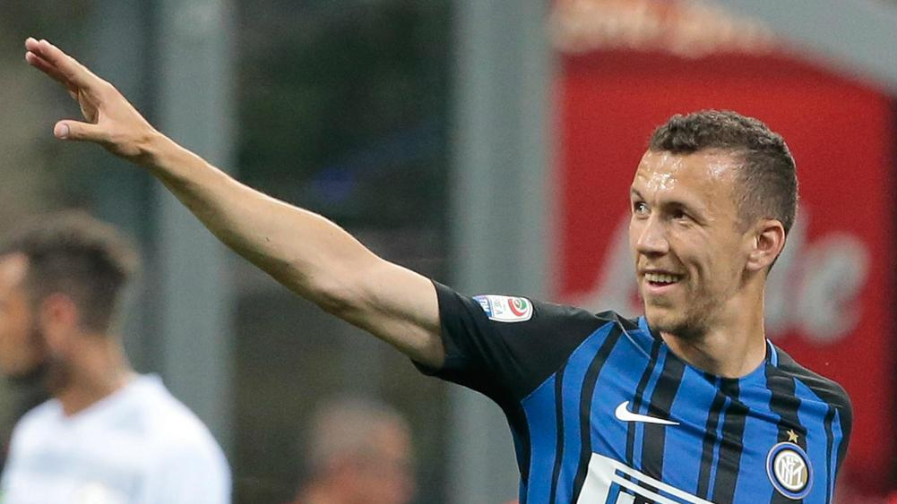 Chelsea join Man Utd in race for Inter's Perisic