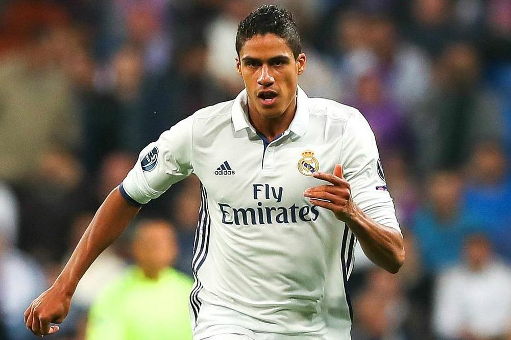 Real Madrid: Varane titulaire au Camp Nou