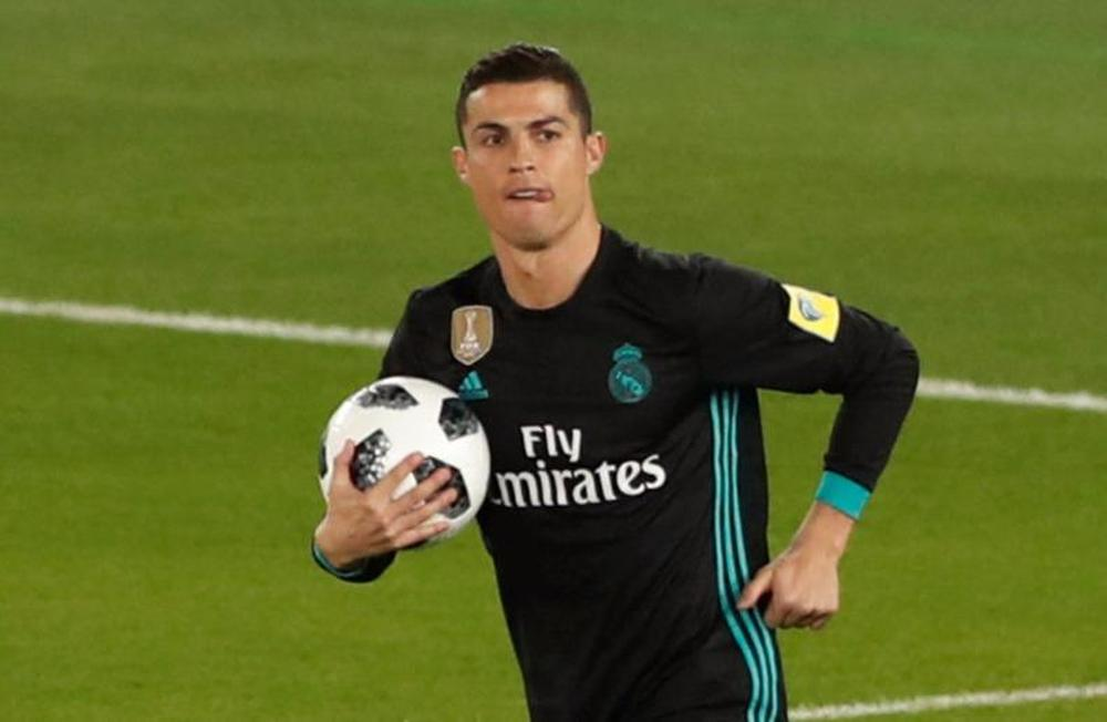 Ronaldo breaks record as Bale fires Madrid to Club World Cup final