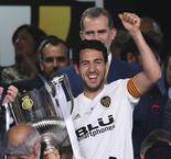 Marcelino's Valencia replacement Celades hails Parejo's show of responsibility