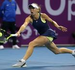 Wozniacki keeps Niculescu quiet as she heads to the last eight