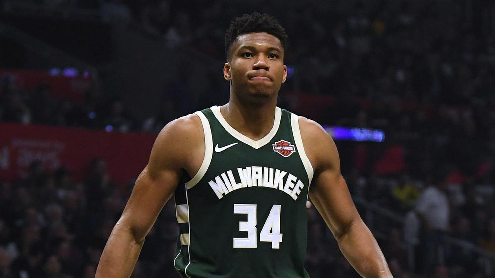 Giannis Bucks Roll On Lakers Stay Hot Without Lebron Davis