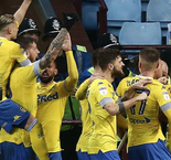 Roofe on fire as Leeds edge Villa in stoppage time