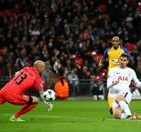 Spurs finish group stage with routine win