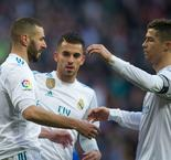 "Zidane Salutes ""Team Player"" Ronaldo For Benzema Gesture"