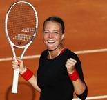 Kontaveit too strong for Wozniacki in Rome