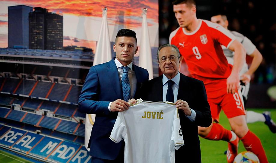 Real Madrid presenta a Luka Jovic