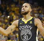 Curry enjoys 'special night' after breaking record