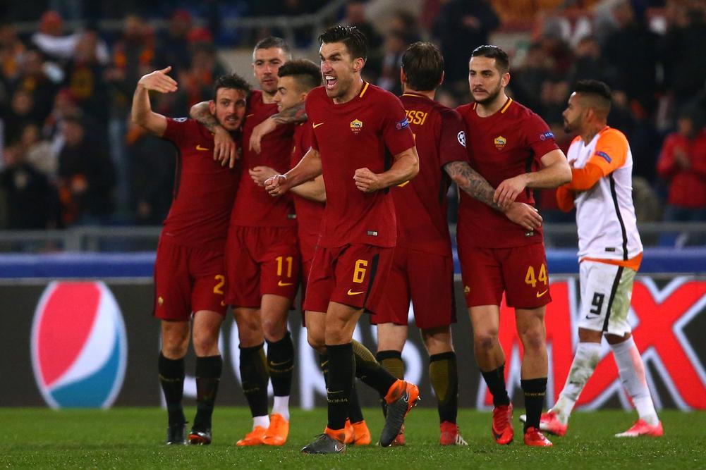 Francesco Totti reacts as Roma draw