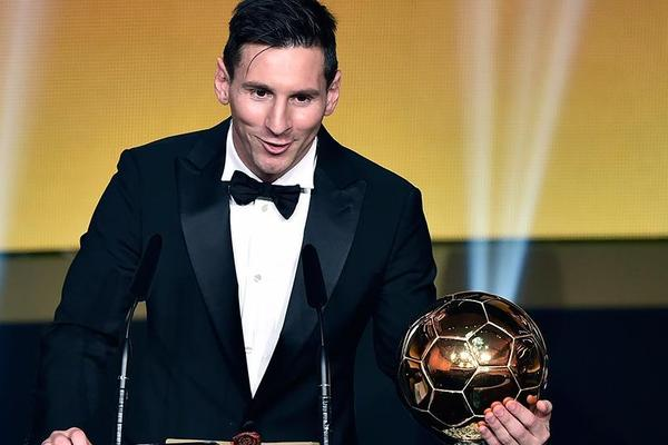 Lionel Messi wins 2015 Ballon d'Or