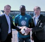 Wolfsburg completes €10m Dimata deal