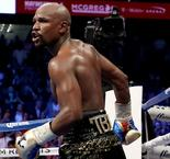 Floyd Mayweather Hints at Ending Retirement With UFC Bout