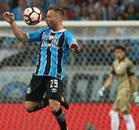 Arthur refutes 'agreement' with Barcelona