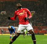 United cruises past Stoke to trim gap at top