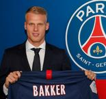 PSG Sign Ajax Teenager Bakker To Bolster Defense