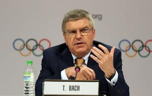 Bach offers Olympic blueprint to other sports