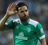 Werder veteran Pizarro to sign new contract
