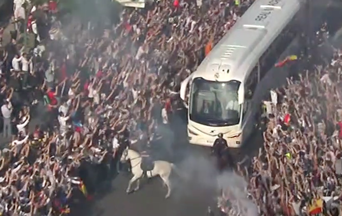 Insane Crowd Greets Real Madrid Ahead of Champions League Semifinal Versus Manchester City