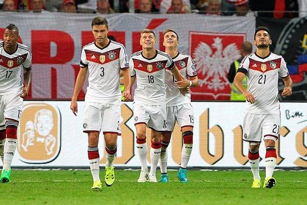 Germany 3-1 Poland: Gotze double sends hosts top