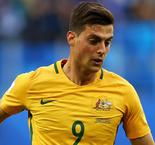 Socceroos miss chances to take control