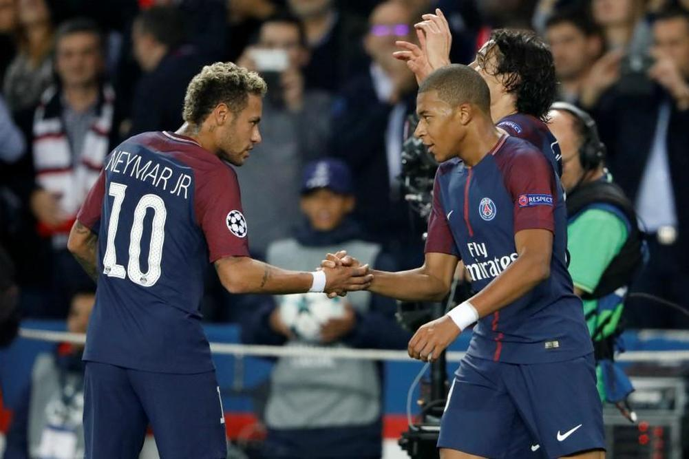 Cavani on target as PSG crush Angers