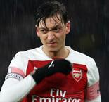 Emery challenges Ozil to prove himself