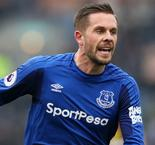 Sigurdsson facing several weeks out with knee injury