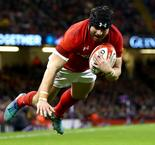 North benched as Wales sticks with winning XV