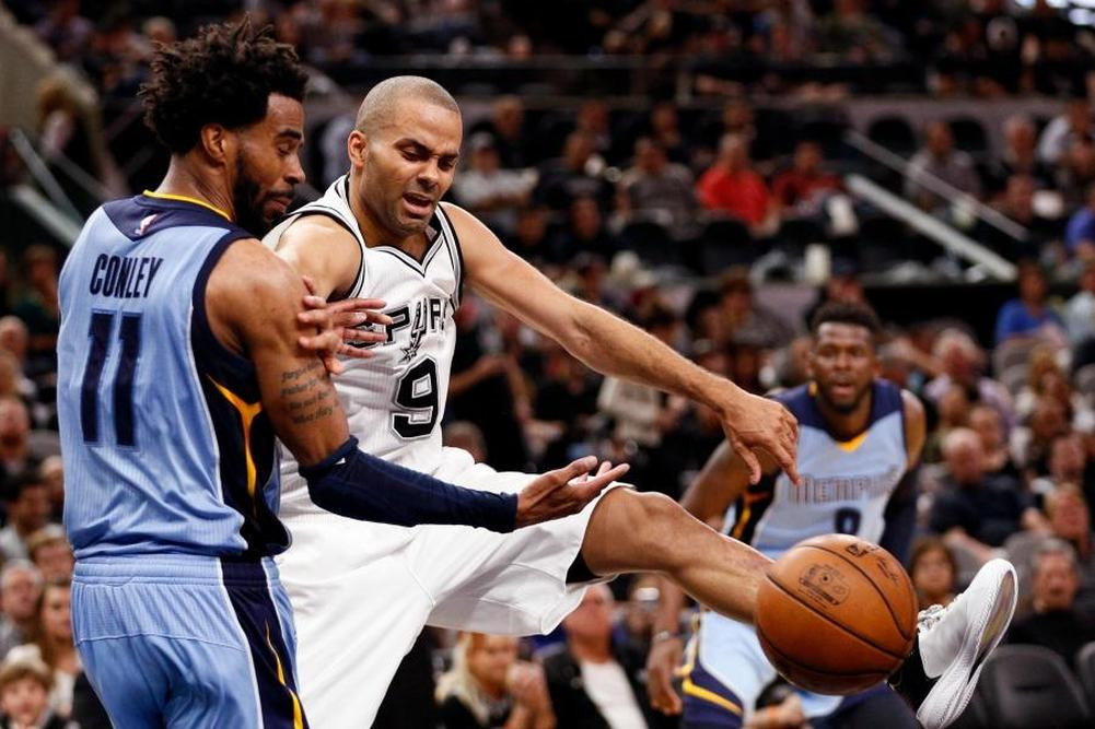 Cleveland et San Antonio enchaînent en playoffs — NBA