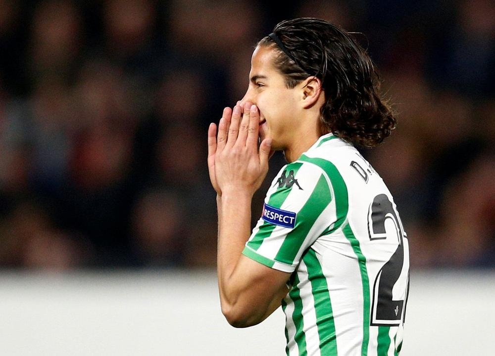 Diego Lainez Real Betis Lionel Messi