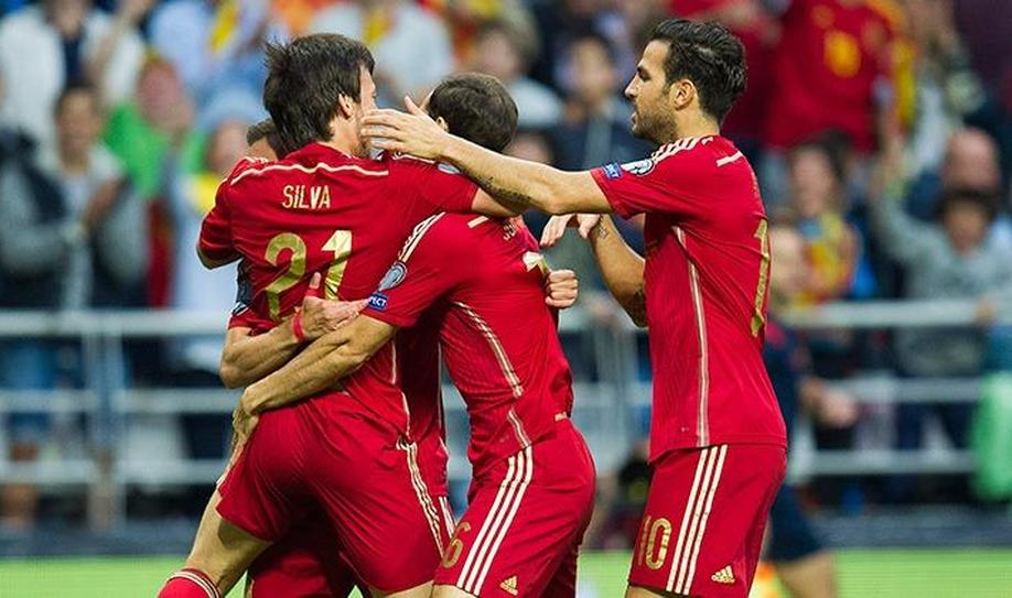 Spain 2-0 Slovakia: Silva shines as La Roja gain revenge