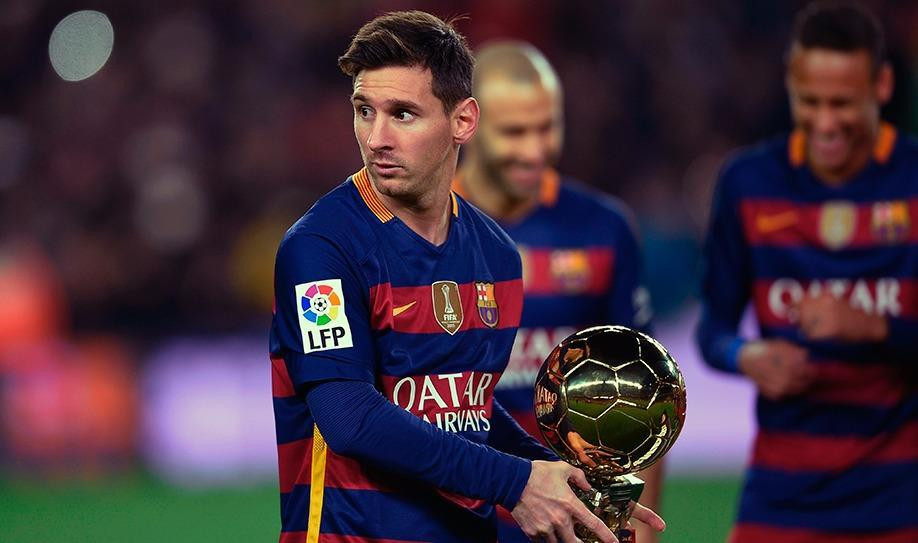 Messi receives Camp Nou tribute for fifth Ballon d'Or