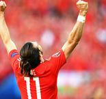 Coleman hails Bale brilliance in Wales win