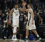 NBA - Playoffs : Les Bucks doublent la mise contre Detroit (VF)