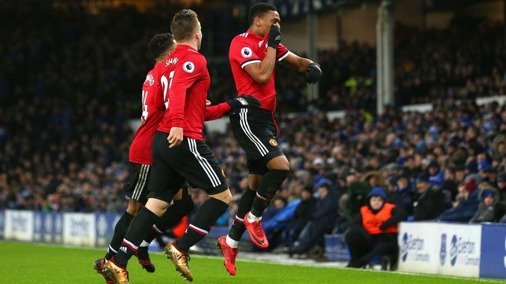 Martial and Lingard fire United to impressive win
