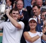 Hingis, Jamie Murray win Wimbledon mixed doubles