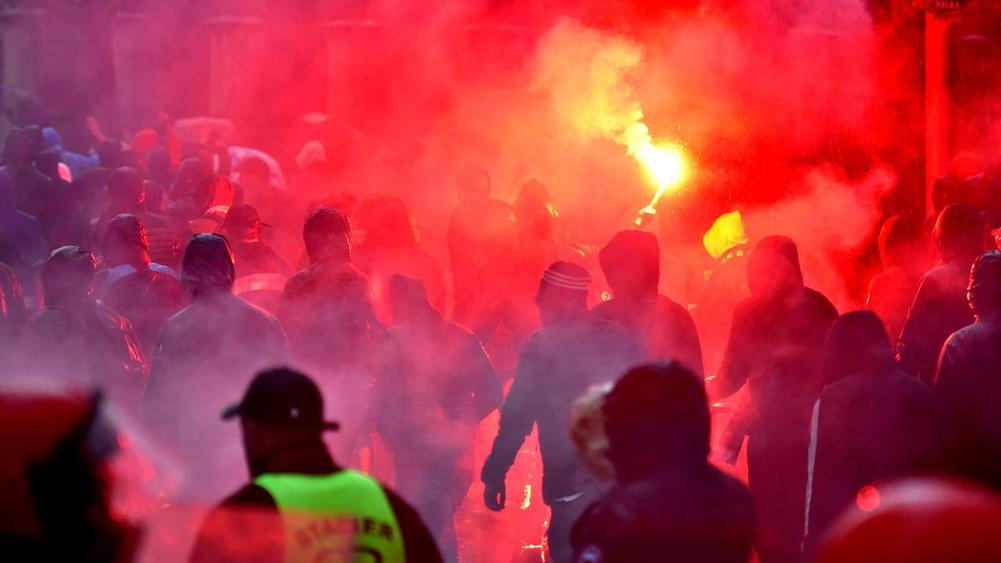 Marseille Ultras Cause Chaos Before and During the Match at Athletic Bilbao