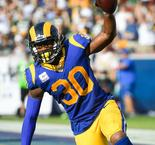 Rams remain perfect after win over Packers