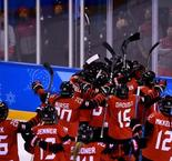 Ice Hockey - Women Preliminary: USA 1 Canada 2