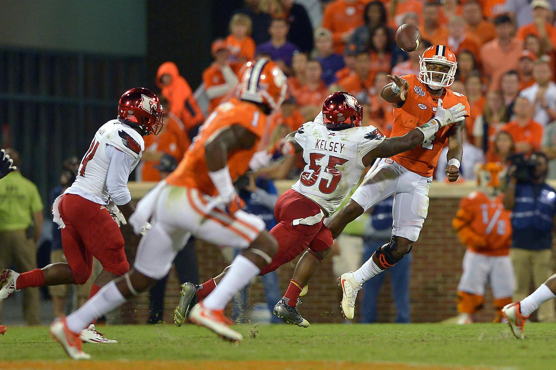 Watson TDs lift No. 5 Clemson to 42-36 win over Louisville