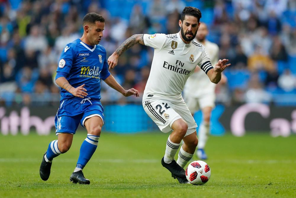 Real Madrid coach defends limited appearance of Isco