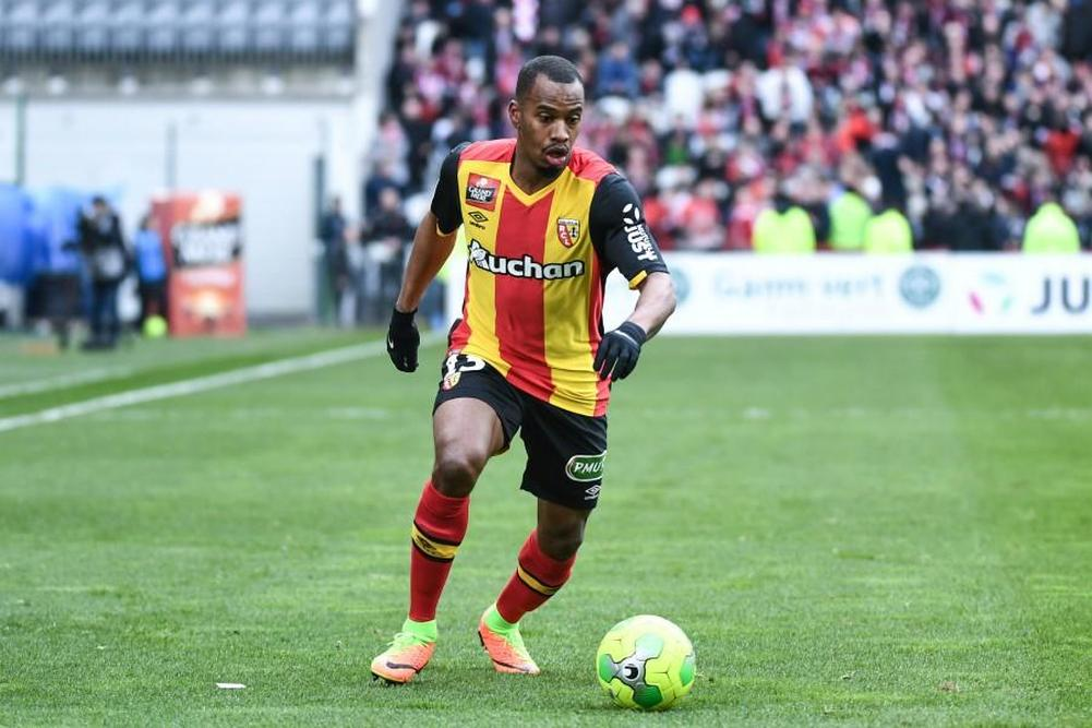 Lens sort du rouge face à Niort