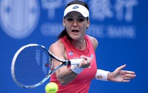 Radwanska and Muguruza shine in China