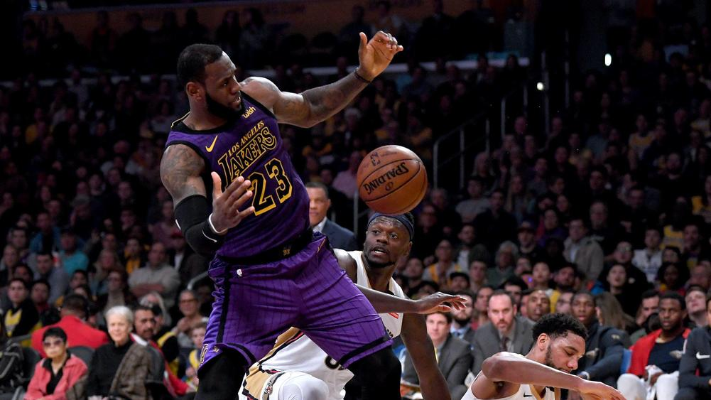 LeBron James gets triple-double, Lakers top Anthony Davis-led Pelicans