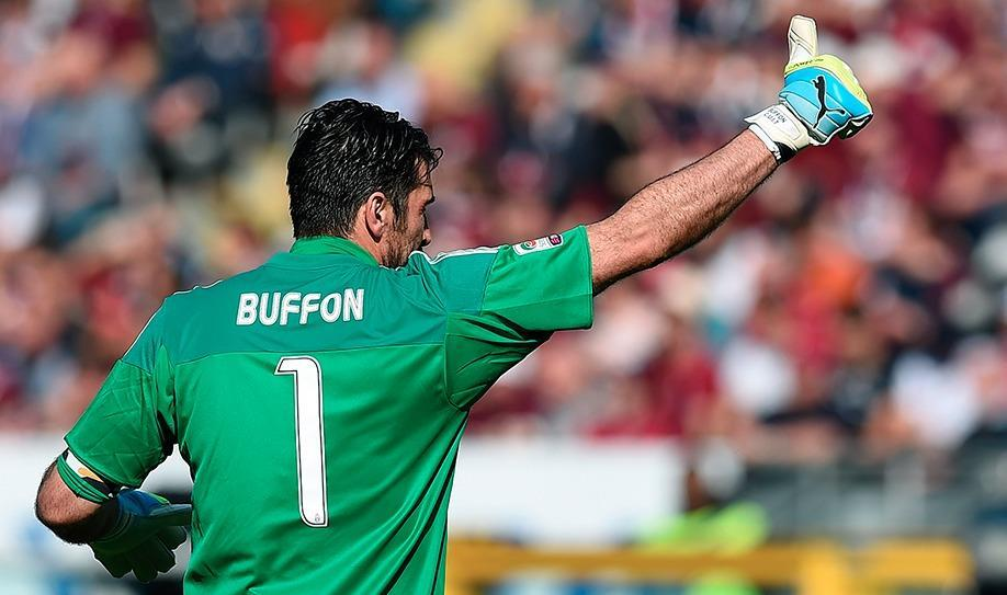 Buffon breaks Serie A clean sheet record